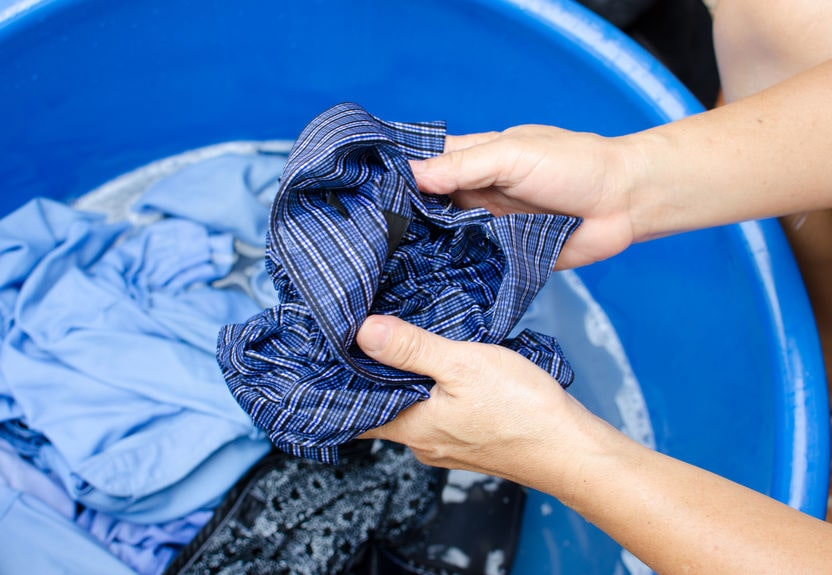 Rucksack waschen mit der Hand